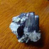 agregado de cristales de manganita y cuarzo del estado de Hidalgo, Mexico (Autor: manuel rodriguez garcia)