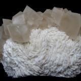 Calcita, dolomita. 11x4,5x7 cm (Autor: Jmiguel)
