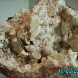 Geoda de Calcita y cuarzo lechoso biterminado Caravia   Asturias Año 2007 tamaño 7x6,5cms. (Autor: Gelo)