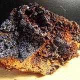 Descloizita. Mina da Preguiça. Sobral de Adiça. Moura. portugal. 14 cm (Autor: nimfiara)