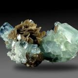 Aguamarina con mica Gilgit (Pakistán 13 x 6,5 x 5,5 cm 336 gr (Autor: Granate)
