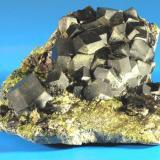 Granate andradita Tange (Afganistán) 10,5 x 9 x 4 cm (Autor: Granate)