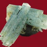 Aguamarina Erongo (Namibia) 7 x 6,5 x 5,5 cm 189,2 gr (Autor: Granate)