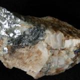Galena sobre Calcita y Fluorita - Mines de l'Afrau -Tagamanent (Barcelona) - 7x3,5x3,5 cms. (Autor: Joan Martinez Bruguera)