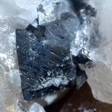 Y para terminar un conjunto de cristales de arsenopirita, el mayor de 6 mm. (Autor: usoz)