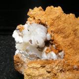 Hemimorfita, Mina Sel de Hayas, Udías. Tamaño: 13x10cm Grupo de cristales de 2cm (Autor: yowanni)