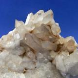 CUARZO ahumado Cantera-Baldayo-Carballo-La Coruña. Pieza; 14,2x10cm. Cristales; 4,1cm. (Autor: DAni)