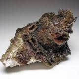 4036-Descloizita y vanadinita, Mina Erupción, Sierra de Los Lamentos, Chihuahua, México, 8,5x5,1x4 cm. (Autor: Edelmin)