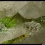 Agardite and fluorite Clara Mine, Wolfach, Black Forest, Baden-Württemberg, Germany fov 5 mm (Author: ploum)