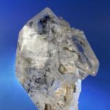 CUARZO. Zona intermedia-Mina Emilio-El Fito-Loroñe. Agregado; 7,5x5,7cm. Cristal biterminado: 7,5cm. (Autor: DAni)