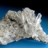 CUARZO Filones de Alkiza-Guipúzcoa-País Vasco. Pieza; 9x5,5cm. Cristal; 3,6cm. (Autor: DAni)