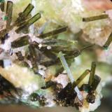 Olivenita mina Las Cocotas, Tíjola, Almeria, Andalucía, España. cristales 4 mm (Autor: Nieves)