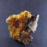 Cristal de Ferberita - Mina Barilongo - Barilongo - A Coruña. Tamaño cristal 1.5 cm (Autor: Rodrigo Fresco)