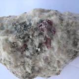 Cinabrio<br />Mina Escarlati, Puerto de las Señales, Maraña, Comarca Montaña Oriental, León, Castilla y León, España<br />12 x 7 cm.<br /> (Autor: minero1968)