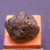 Hematites pseudomórfico tras marcasita<br />Mogón, Villacarrillo, Comarca Las Villas, Jaén, Andalucía, España<br />1,5 x 1,2 cm.<br /> (Autor: Antonio Alcaide)