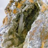 "Hemimorfita (cristal mayor de 2,2 cm). Grupo Minero ""Arroyo Conejo"", Berlanga (Badajoz) (Autor: Inma)"