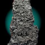 Pirolusita (Pyrolusite)  Tamaño de la pieza (Size of the piece): 8x3 cm. Col. & Fot. Juan Hernandez. Recogido en Marzo de 2008 (Collected in March of 2008). (Autor: supertxango)