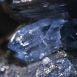 Detalle del cristal de escorodita. (Autor: usoz)