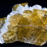 Barite and Calcite Goldstrike Pocket 4480 Ramp Elko County, Nevada Specimen size 9 x 7 x 6.5 cm. (Author: am mizunaka)