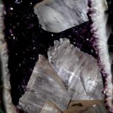 Amethyst Geode with Selenites,beautiful specimen . About 35 pounds and measuring about 1 meter high and 40 cm in length. The unique two mines that had selenite at the Rio Grande from the south are currently closed. (Author: silvio steinhaus)