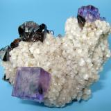 Fluorite, sphalerite, dolomite Elmwood Mine, Carthage, Smith County, Tennessee, USA 90 mm x 60 mm x 52 mm (Author: Carles Millan)