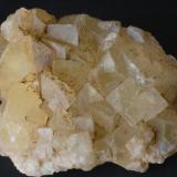 Fluorita - Mines de Sant Marçal, Viladrau, Montseny, Osona, Girona, Catalunya, España Medidas. 4x3,5x2,5 cms Recolectada el 2010 (Autor: Joan Martinez Bruguera)