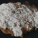 Carbonatofluorapatito - Mina Elvira, Bruguers, Gavà, Baix Llobregat, Barcelona, Catalunya, España Medidas: 7,5x4,5x2 cms (Autor: Joan Martinez Bruguera)