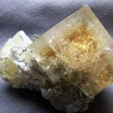 Fluorite with Calcite from Clay Center,Ohio,USA size:3.5cm X 4.0cm X 3.4cm (Author: pro_duo)