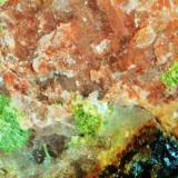 Uranocircita mina Diéresis, El Cabril, Hornachuelos, Córdoba, España. encuadre 1 cm (Autor: Nieves)