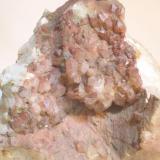 Cuarzo (detalle de la pieza anterior) - Viladrau, Montseny, Osona, Girona, Catalunya, España Medidas. 9,5x8,5x6 cms (Autor: Joan Martinez Bruguera)