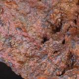 Goethita irisada (detalle de la pieza anterior) - Mines de Can Palomeres, Malgrat de Mar, El Maresme, Barcelona, Catalunya, España Medidas: 9,5x6,5x4 cms (Autor: Joan Martinez Bruguera)