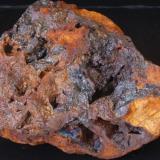 Goethita irisada - Mines de Can Palomeres, Malgrat de Mar, El Maresme, Barcelona, Catalunya, España Medidas: 9,5x6,5x4 cms (Autor: Joan Martinez Bruguera)