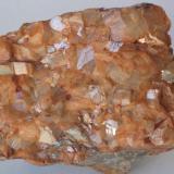 Ankerita - Mina Regia, Bellmunt del Priorat, El Priorat, Tarragona, Catalunya, España Medidas: 5,5x4x3,5 cms (Autor: Joan Martinez Bruguera)