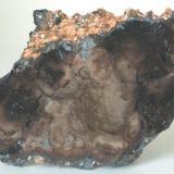 Psilomelana (la otra cara) - Pedrera Massabé, Sils, La Selva, Girona, Catalunya, España Medidas: 8x5x2,5 cms (Autor: Joan Martinez Bruguera)
