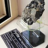 Pyrite with Tetrahedrite. Quiruvilca Mine, Quiruvilca District, Santiago de Chuco Province, La Libertad Department, Peru. It is 9 s 6 x 3 cm. (Author: Lumaes)
