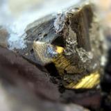 Sphalerite with Chalcopyrite on Quartz. Animon Mine, San Jose Huayallay District, Daniel Alcides Carrion Province, Pasco Department, Peru. 10 x 8 x 6 cm. (Author: Lumaes)