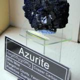 Azurite. Shilu Mine, Yangchun County, Yangjiang, Prefecture, Guangdong Province, China. 6 x 3.5 x 3.5 cm. (Author: Lumaes)