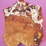 Carbonatofluoroapatito - Mina Elvira, Bruguers, Gavà, Baix Llobregat,Barcelona, Catalunya, España Medidas: 4,5 x 3,5 x 1 cms (Autor: Joan Martinez Bruguera)