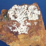 Carbonatofluroopatito - Mina Elvira, Bruguers, Gavà, Baix Llobregat, Barcelona, Catalunya, España Medidas: 4 x 4 x 1,8 cms (Autor: Joan Martinez Bruguera)