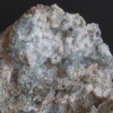 Analcima (detalle de la pieza anterior) - Mina Maria, Baños de Gilico, Cehegín, Murcia, España Medidas: 8 x 5,5 x 4 cms (Autor: Joan Martinez Bruguera)