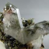 Quartz, Japan Law twin Green Monster Mine Sulzer, Prince of Wales Island Alaska 5.7cm x 4.0cm (Author: rweaver)