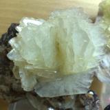 Barita Turt, Baia Mare, Rumania Tamaño del grupo de cristales, 6x6 cm. (Autor: E. Llorens)