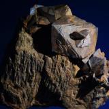 Siderita<br />Sierra Almagrera, Cuevas del Almanzora, Comarca Levante Almeriense, Almería, Andalucía, España<br />10x9 cm. Cristal mayor 3,7 cm.<br /> (Autor: Juan Luis Castanedo)