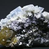 Barita Azul + Fluorita + Dolomita - Mina Moscona - Solís - Corvera - Asturias Pieza de 10 x 8 cm. cristal mayor 2,5 cm. (parte trasera) (Autor: El Coleccionista)
