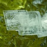 Barita Azul + Fluorita Mina Moscona - Solís - Corvera - Asturias Pieza de 21x16 cm. cristal mayor 1,5 cm. Detalle de la pieza anterior (Autor: El Coleccionista)