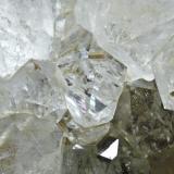 Cuarzo Berbes - Ribadesella - Asturias Pieza de 7x6 cm. cristal mayor 3,3 cm. Detalle de la pieza anterior (Autor: El Coleccionista)