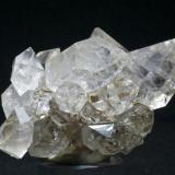Cuarzo Berbes - Ribadesella - Asturias Pieza de 7x6 cm. cristal mayor 3,3 cm. Otra vista de la pieza anterior (Autor: El Coleccionista)