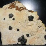 Esfalerita con Calcopirita sobre Dolomita Mina Malaespera, Bº de la Peña, Bilbao, Vizcaya 10x10cm XX1cm (Autor: yowanni)