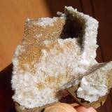 Dolomita con Calcita<br />Setiles, Comarca Señorío de Molina-Alto Tajo, Guadalajara, Castilla-La Mancha, España<br />5 x 4 cm.<br /> (Autor: javier ruiz martin)