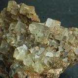 Fluorita Mines de Sant Marçal - Viladrau - Montseny - Osona - Girona - Catalunya - España 50 x 45 x 45 mm (Autor: Joan Martinez Bruguera)